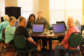 Computer Classes at Knollwood