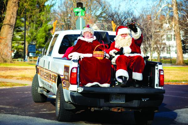 Santa and Mrs. Claus spotting