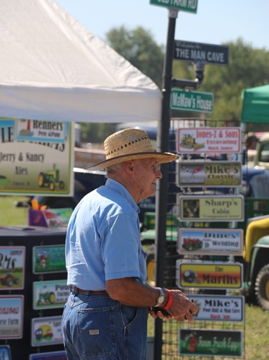Photos by Kyla Hurt Prairie Land Heritage Museum held its 46th Annual Steam Show and Fall Festival Days over the weekend of September 25 - 27.  The show features something for about everyone, including various vendors selling personalized décor, or even an old combine tire