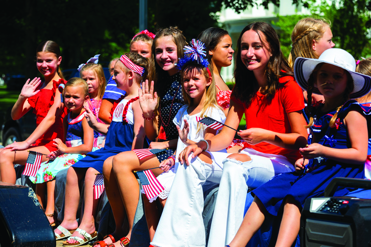 Rotary 4th of July Parade Saturday 3 July 2021 for The Source   Photos by Tiffany & Steve of Warmowski Photography http://www.warmowskiphoto.com 217.473.5581 - 210703