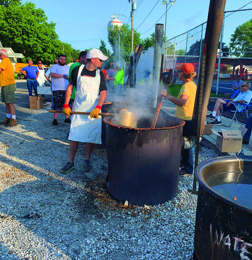 The annual burgoo preparations were an all-day and -night event leading up to the festival.